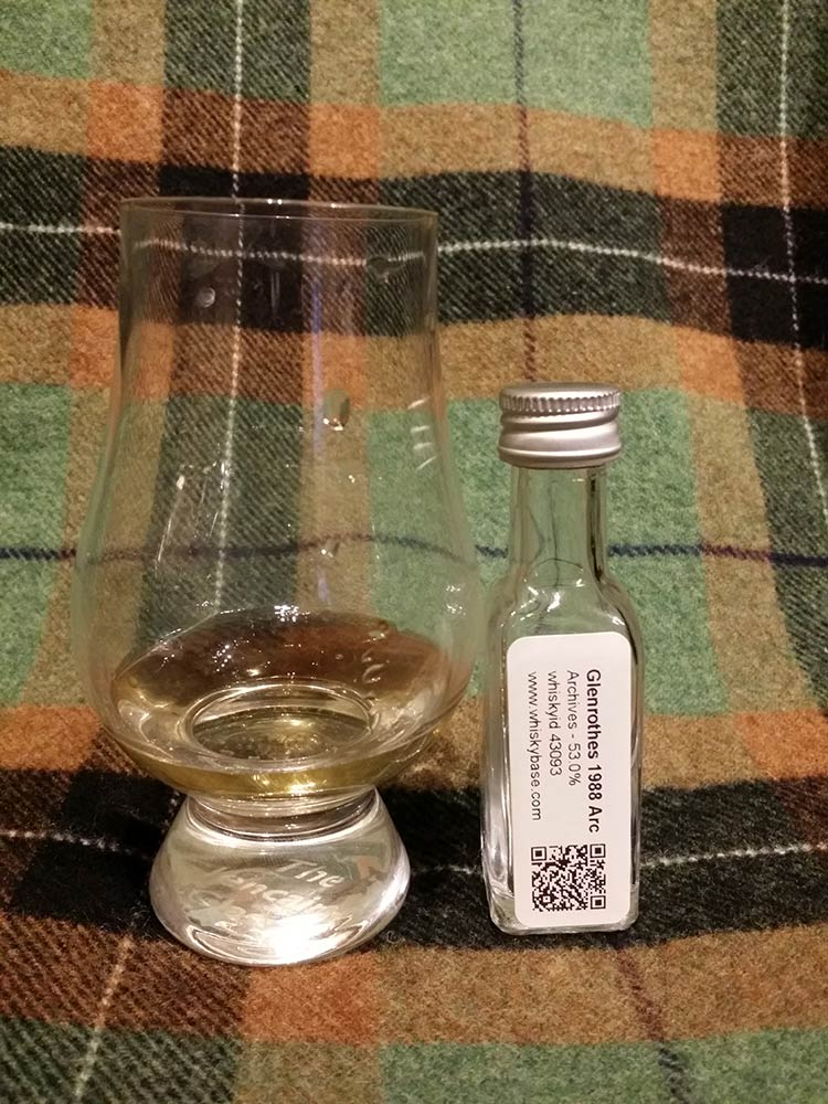 Glenrothes 1988 25y by Archives