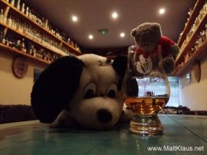 Sniffy and Islay at the Artisan